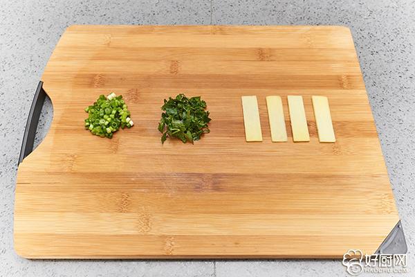 清炖鱼头汤的做法步骤_3