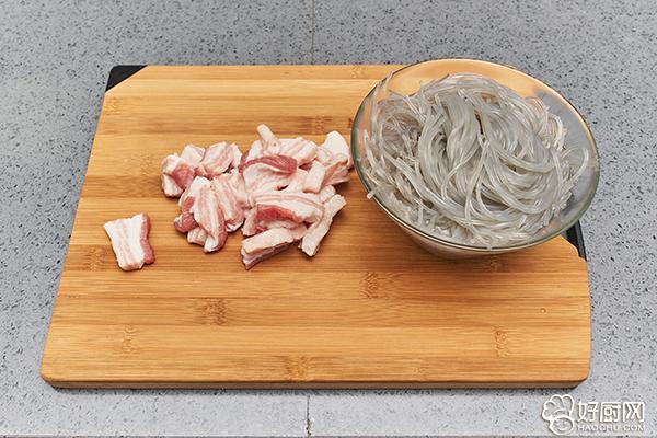 猪肉炖粉条的做法步骤_2