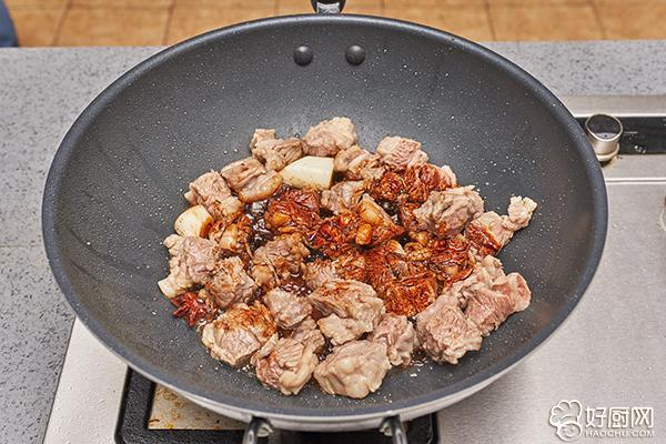 红烧牛肉的做法步骤_9
