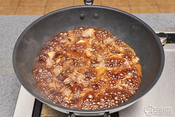 红烧牛肉的做法步骤_10