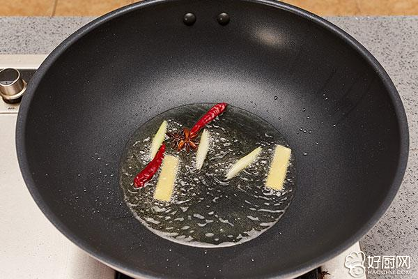 小鸡炖蘑菇的做法步骤_4