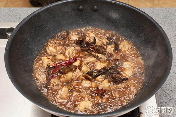 小鸡炖蘑菇的做法步骤_8