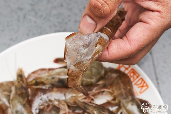 爆炒大虾的做法步骤_2