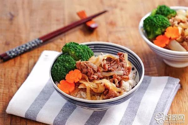 牛肉卷交通,洋葱软滑,汤汁拌着饭,一吃就停不了口海参崴到绥芬河香嫩图片