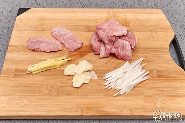 锅包肉的做法步骤_2
