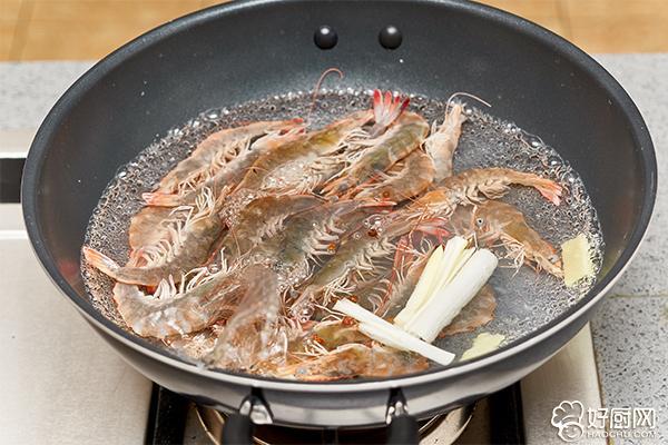 白灼虾的做法步骤_3