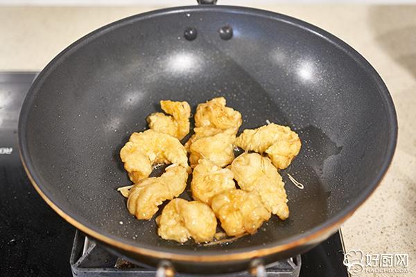 炸烹大虾的做法步骤_16