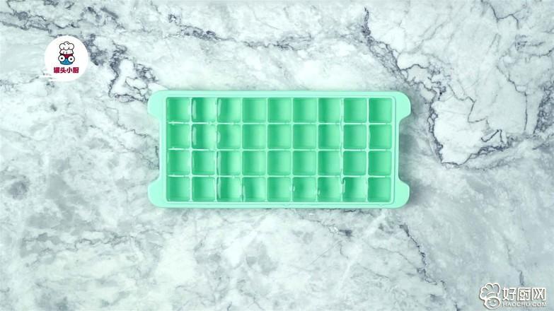 自制椰汁菠萝冰沙的做法步骤_1