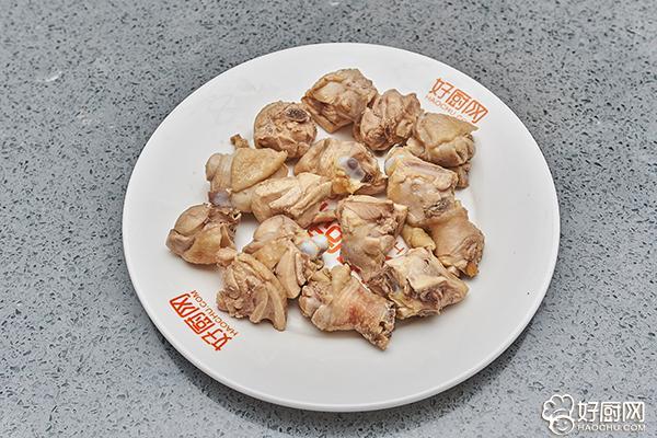 刘涛拿手菜,就是它了,鸡腿炖土豆_4