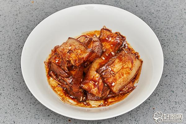 大口吃肉大口喝酒,就应该来这么一碗梅菜扣肉_10