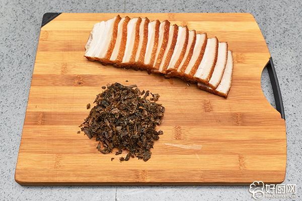 大口吃肉大口喝酒,就应该来这么一碗梅菜扣肉_3