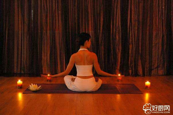 学瑜伽有益健康增加气质_1