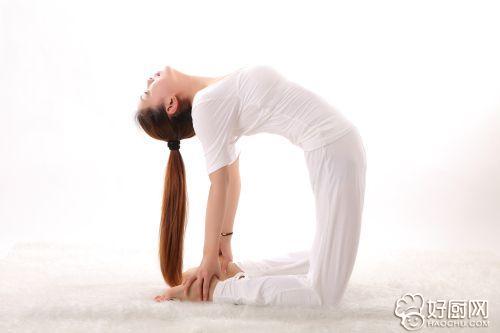 常见的排毒瑜伽姿势有哪些_1