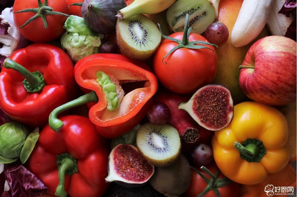 饮食中的五色是指食物的五种天然颜色,即白、黄、红、绿、黑。_1