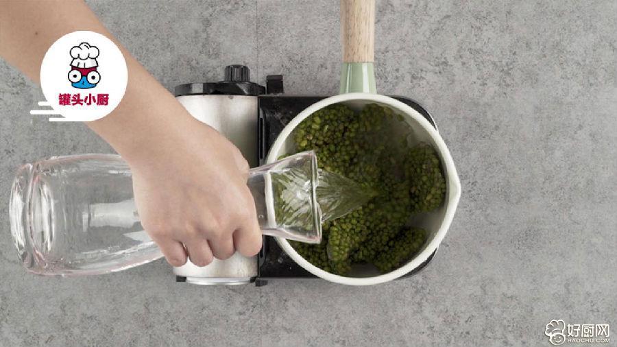 绿豆汤秒变消暑凉糕的做法步骤_2