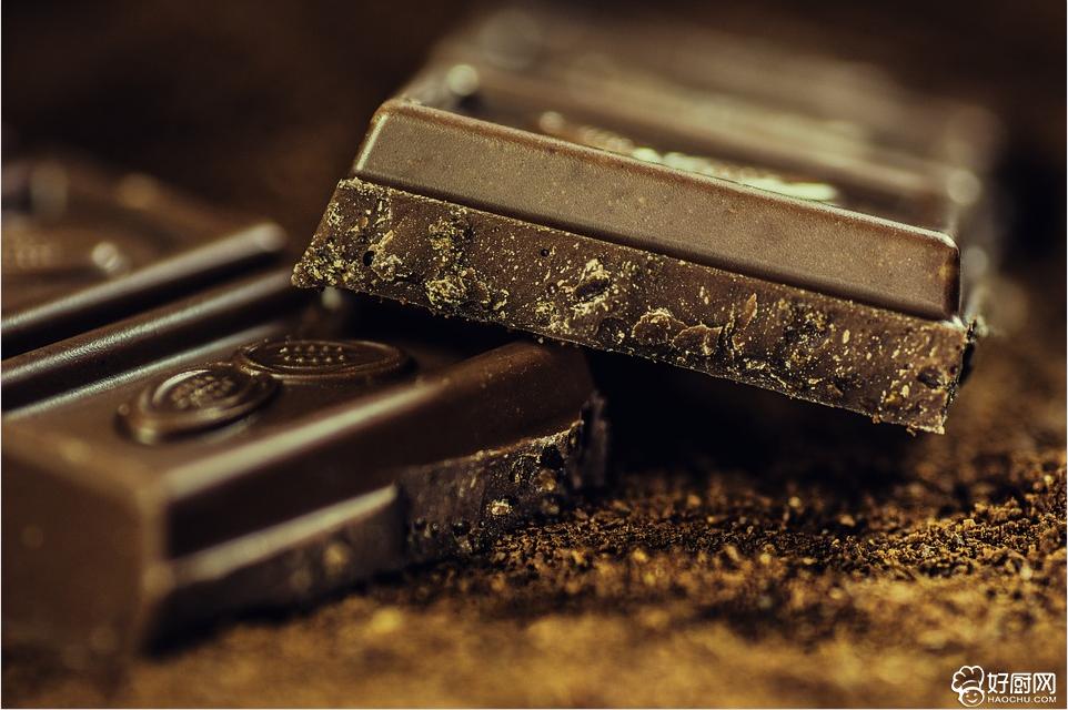 巧克力的功效 巧克力越吃越聪明_1